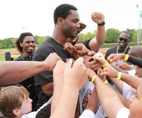 Cincinnati Bengals Star Returns Home for 7th Annual Michael Johnson Youth Football
