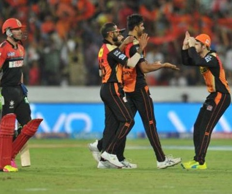 Sunrisers Hyderabad beat Royal Challengers Bangalore by 15 runs